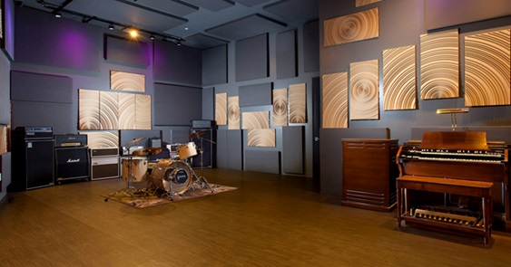 Finding The Ultimate Best Recording Studio